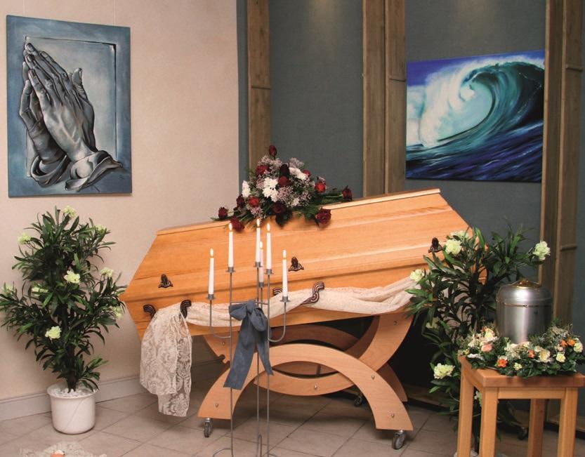 Beispieldekoration im Trauerraum für Ihre Trauerfeier von Ralf König Bestattungen in Plettenberg